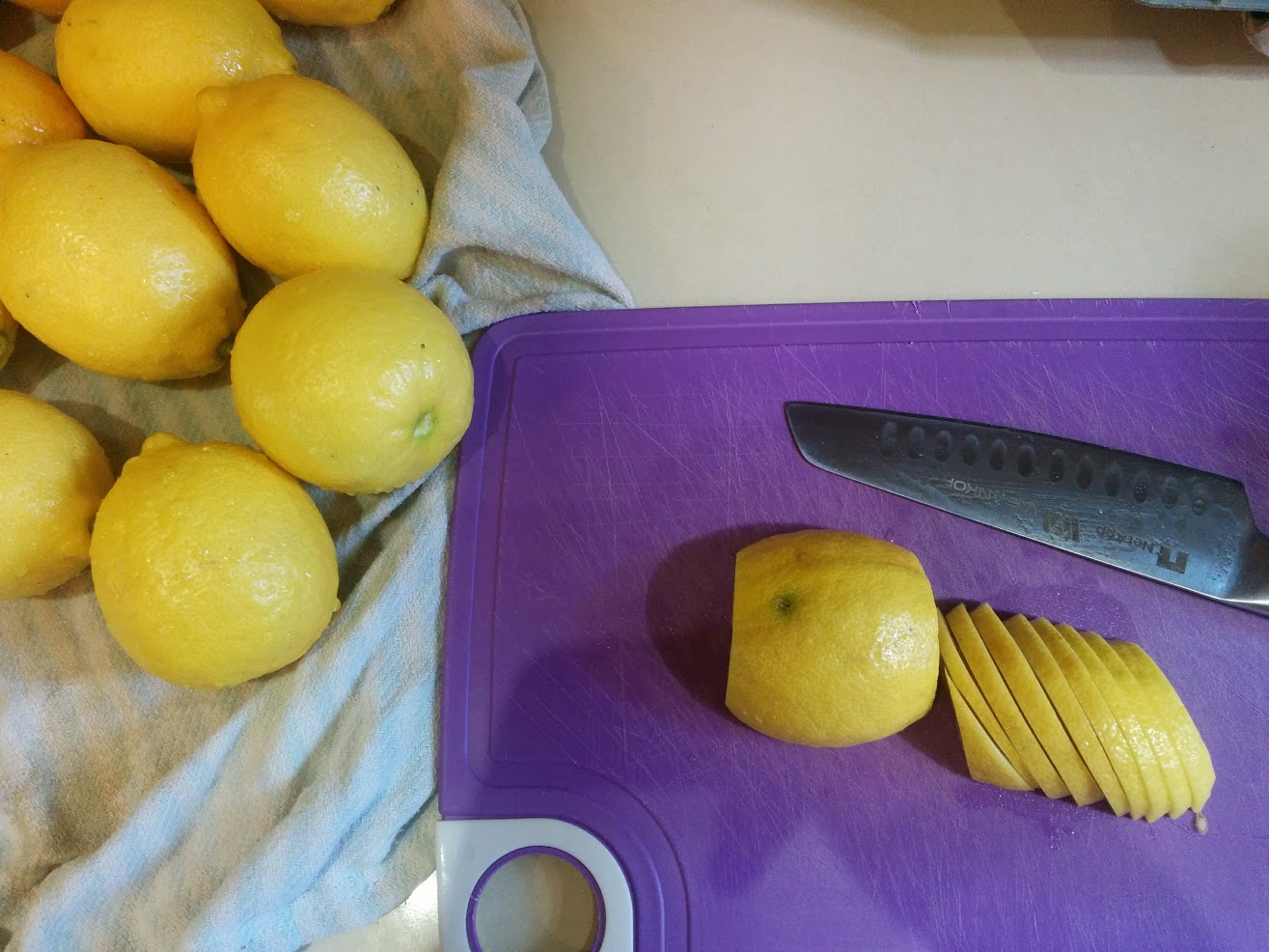 lemon-knife
